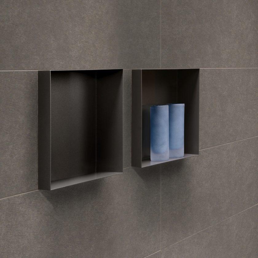 http://www.flie-san-webshop.de/WebRoot/Store25/Shops/64831381/5899/9075/F006/699D/B5AC/C0A8/2BBC/07F2/ESS-Wandnische-Badezimmer-Bathroom-C-BOX-Anthracite-01-840x840.jpg